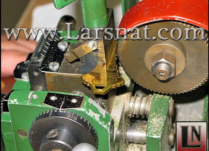 IMG 2609a 800x576 Larsnat Safe & Lock